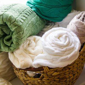 Плед-шаль Lotus – Alpakina косы молоко 90×180