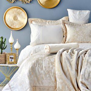 Постельное белье с покрывалом и пледом Karaca Home Les Roses gold 2019-2 200×220