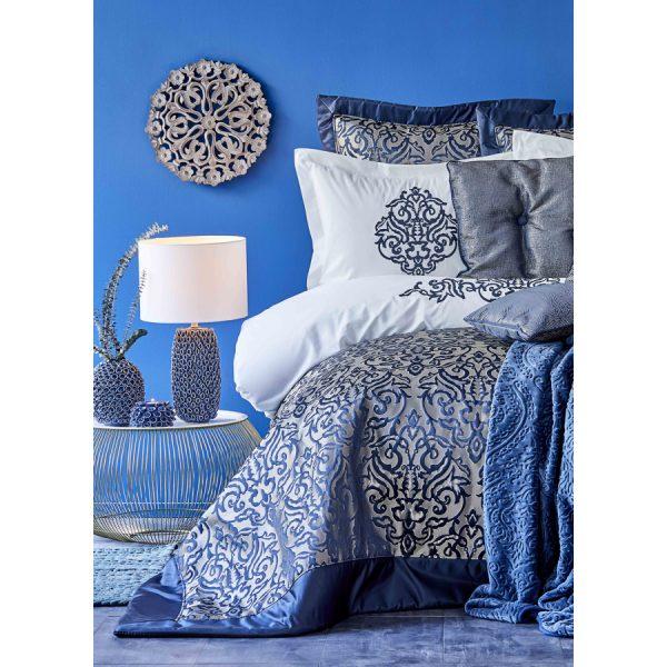 купить Постельное белье с покрывалом и пледом Karaca Home - Camilla indigo 2020-2 (13 предметов) Синий фото